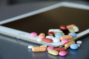 Arzneimittel auf Tablet-PC