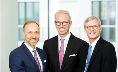 KBV-Vorstand: Vorstandsvorsitzender Dr. Andreas Gassen, der stellvertretende Vorstandsvorsitzende Dr. Stephan Hofmeister und Dr. Thomas Kriedel, Mitglied des Vorstands (v.l.n.r.)
