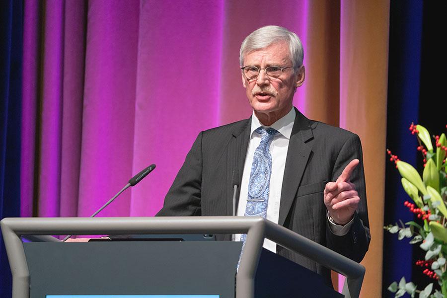 KBV-Vorstandsmitglied Dr. Kriedel sprach zu den Delegierten zum Thema Digitalisierung @Lopata/axentis.de