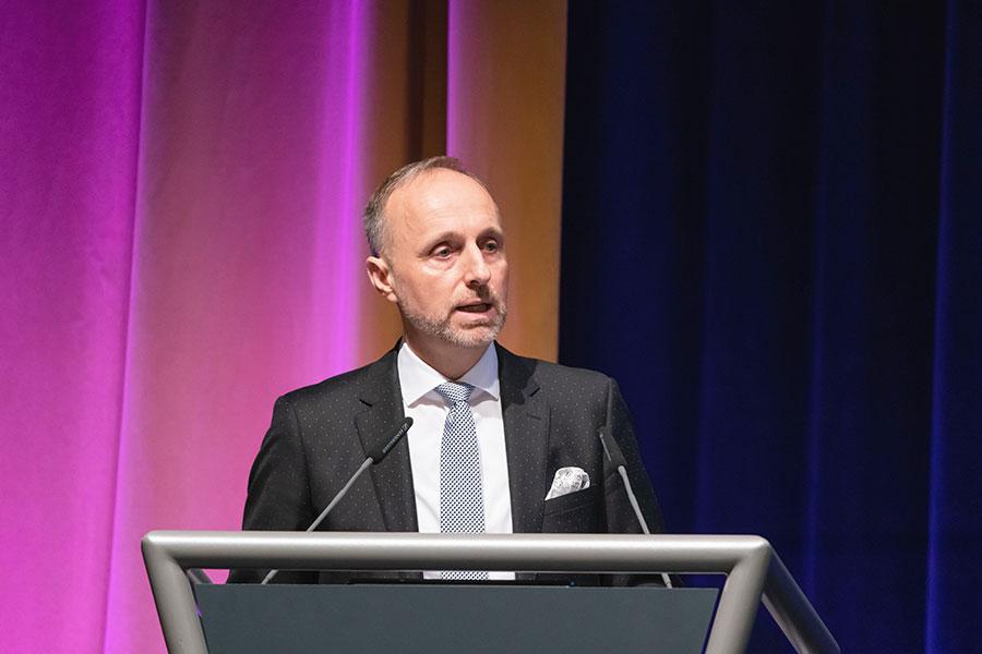 """Stellvertretender KBV-Vorsitzender Dr. Hofmeister: """"Ambulante Versorgung 24/7? Wir können das!"""" @Lopata/axentis.de"""