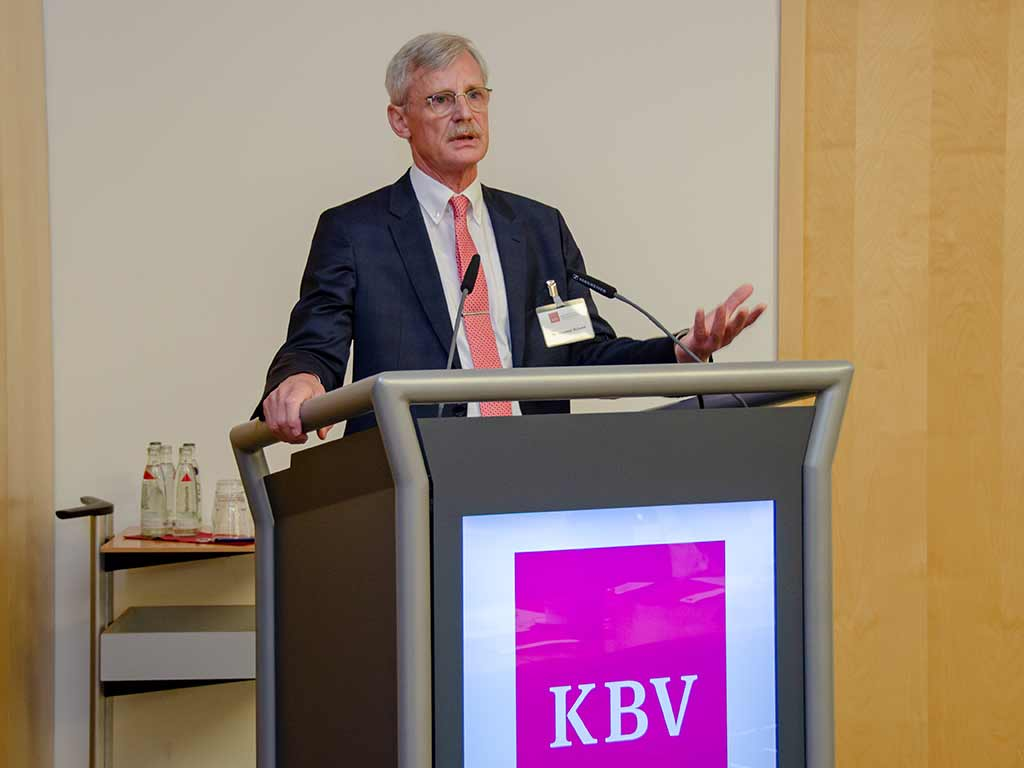 KBV-Vorstandsmitglied Dr. Thomas Kriedel eröffnete das 25. Anbietermeeting. ©KBV/Funke