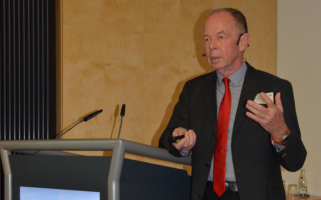 Zeigt sich kritisch: Prof. Dr. Gerd Antes zeigt  Probleme und Lücken von Big Data auf.