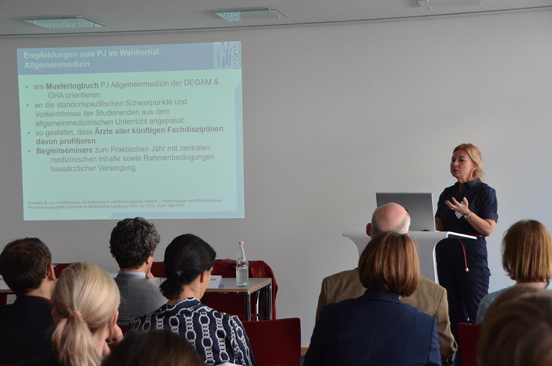 In den Seminaren gab es Impulsvorträge und Zeit für Fragen und Austausch. ©KBV/Tabea Breidenbach