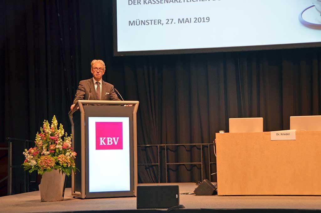 Dr. Andreas Gassen auf der Vertreterversammlung. © KBV/Tabea Breidenbach